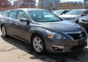 2015 Nissan Altima SV VERY LOW KM Car